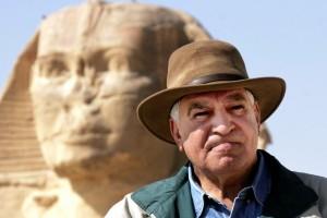 Piramidi – Scontro tra Hancock e Hawass